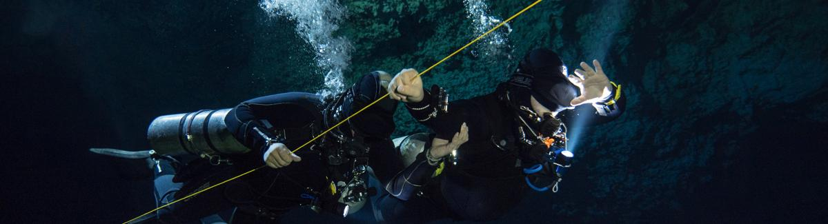 sidemount diver instructor